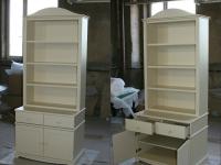 Шкаф с открытыми полками